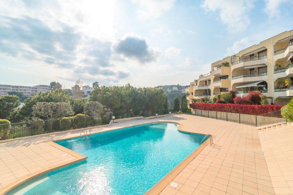 Appartement à vendre 2 62m2 à Nice vignette-1