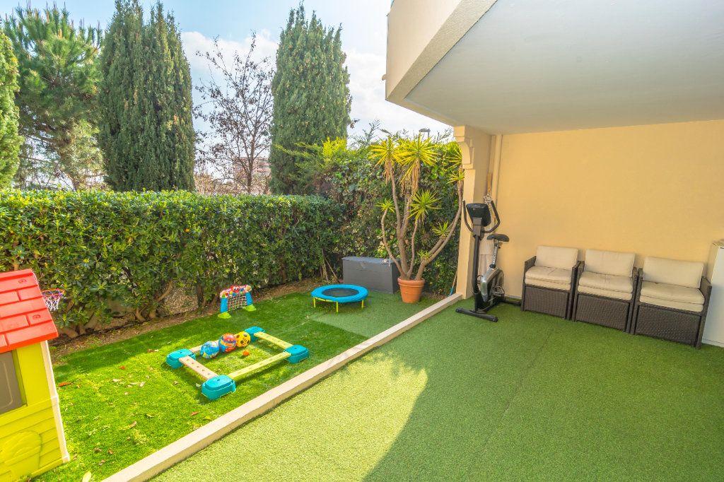 Appartement à vendre 2 62m2 à Nice vignette-2
