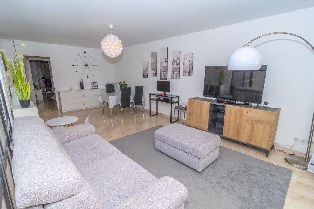 Appartement à vendre 2 62m2 à Nice vignette-3