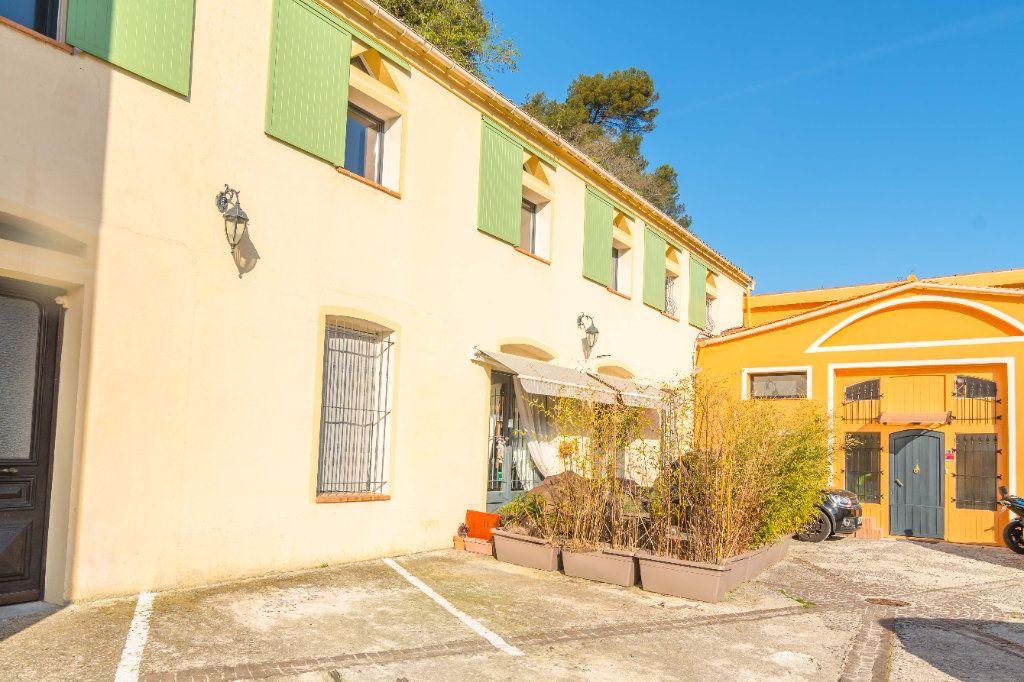 Maison à vendre 5 193m2 à Nice vignette-1