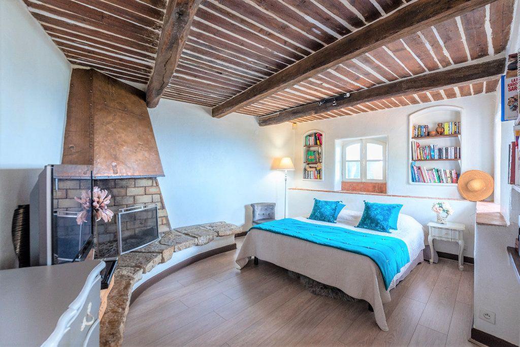Maison à vendre 9 359m2 à Grasse vignette-16