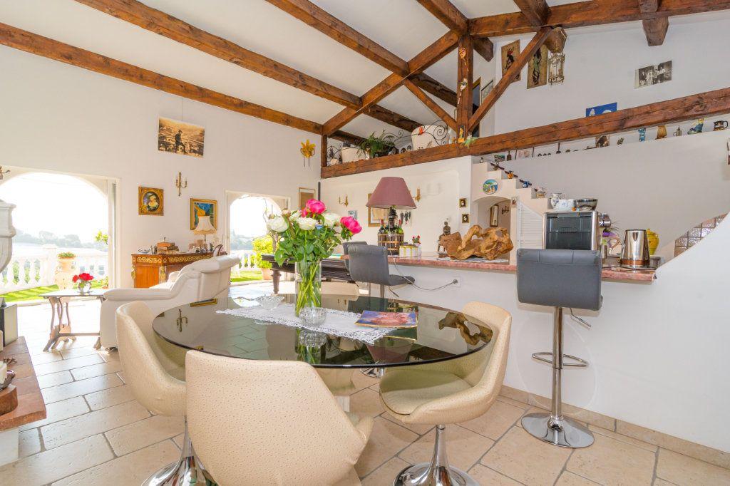 Maison à vendre 4 150m2 à Nice vignette-8