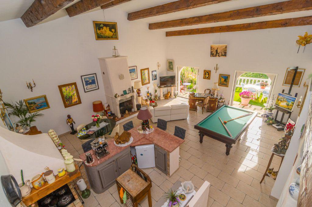 Maison à vendre 4 150m2 à Nice vignette-9