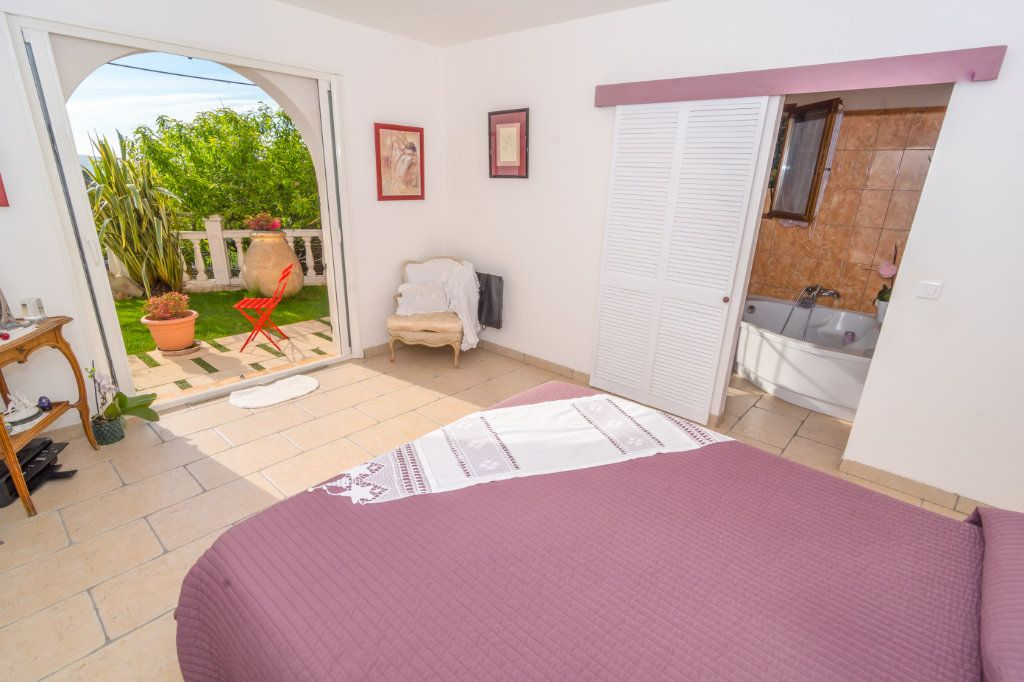 Maison à vendre 4 150m2 à Nice vignette-12