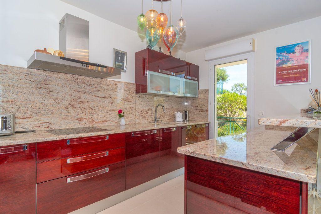 Appartement à vendre 3 92.57m2 à Nice vignette-2