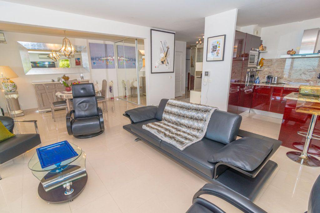 Appartement à vendre 3 92.57m2 à Nice vignette-8
