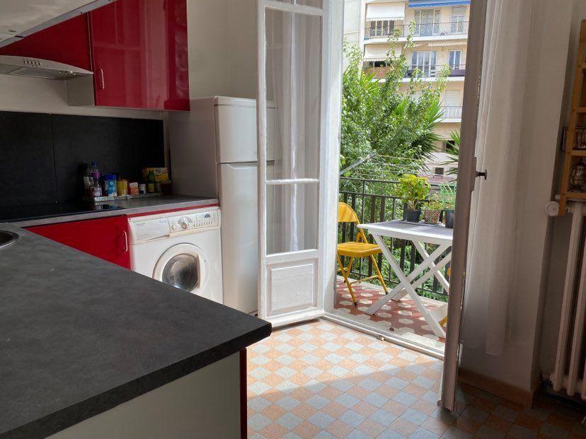 Appartement à vendre 2 50m2 à Nice vignette-4
