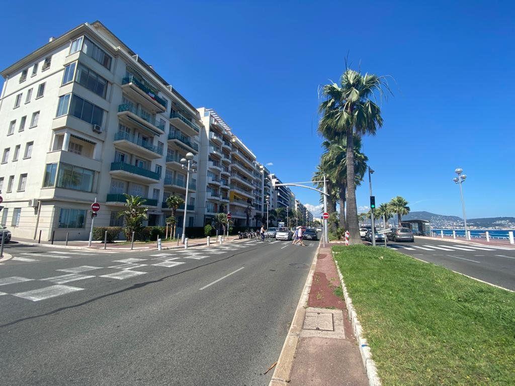 Appartement à vendre 2 57m2 à Nice vignette-1