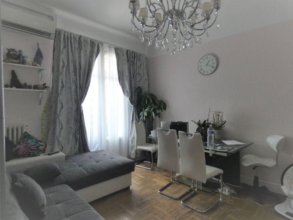 Appartement à vendre 2 57m2 à Nice vignette-5