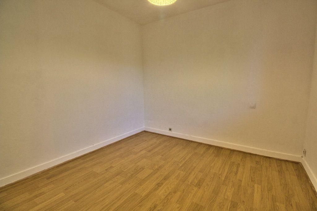 Appartement à louer 2 27m2 à Toulouse vignette-4