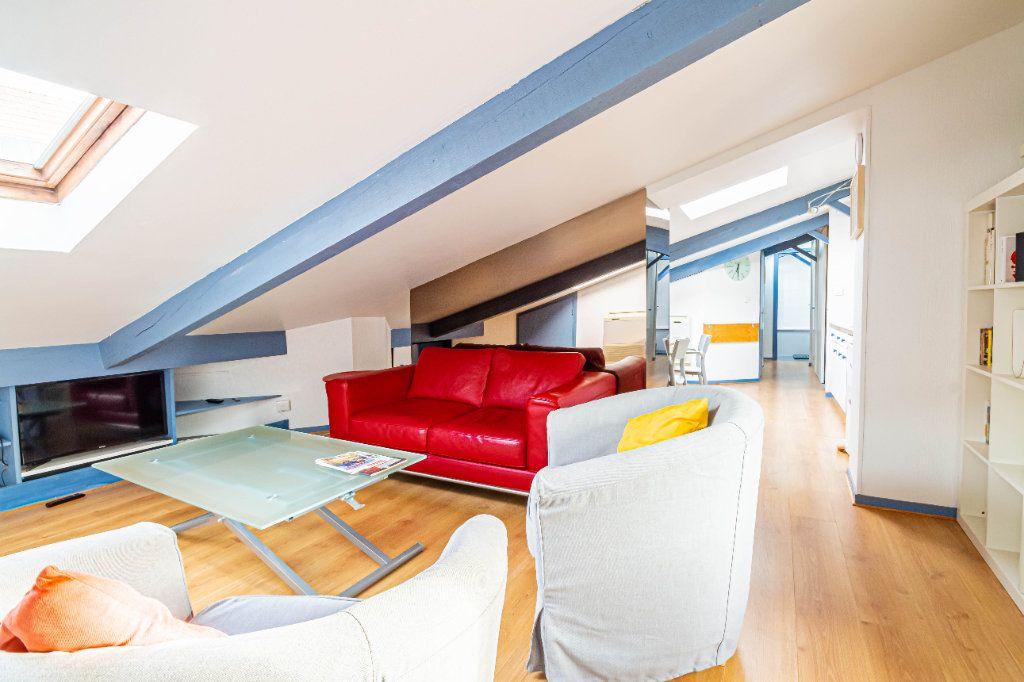 Appartement à louer 3 32m2 à Toulouse vignette-1