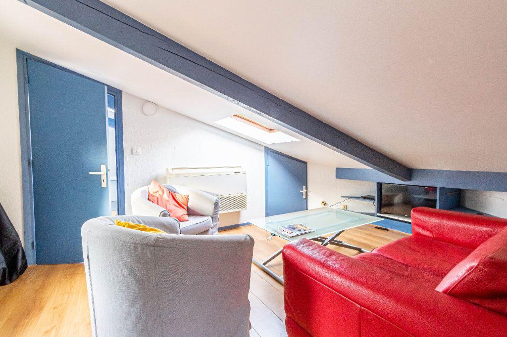 Appartement à louer 3 32m2 à Toulouse vignette-4