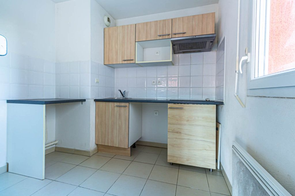 Appartement à louer 4 77m2 à Toulouse vignette-3