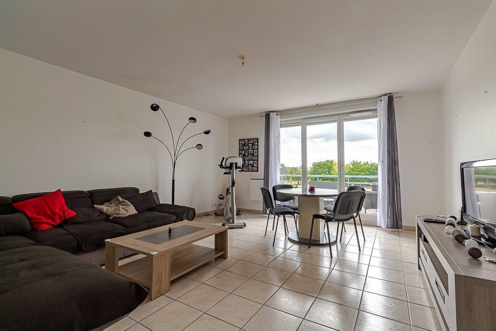 Appartement à louer 4 81.51m2 à Castanet-Tolosan vignette-1