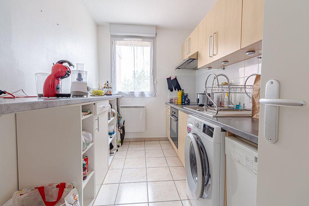 Appartement à louer 4 81.51m2 à Castanet-Tolosan vignette-3