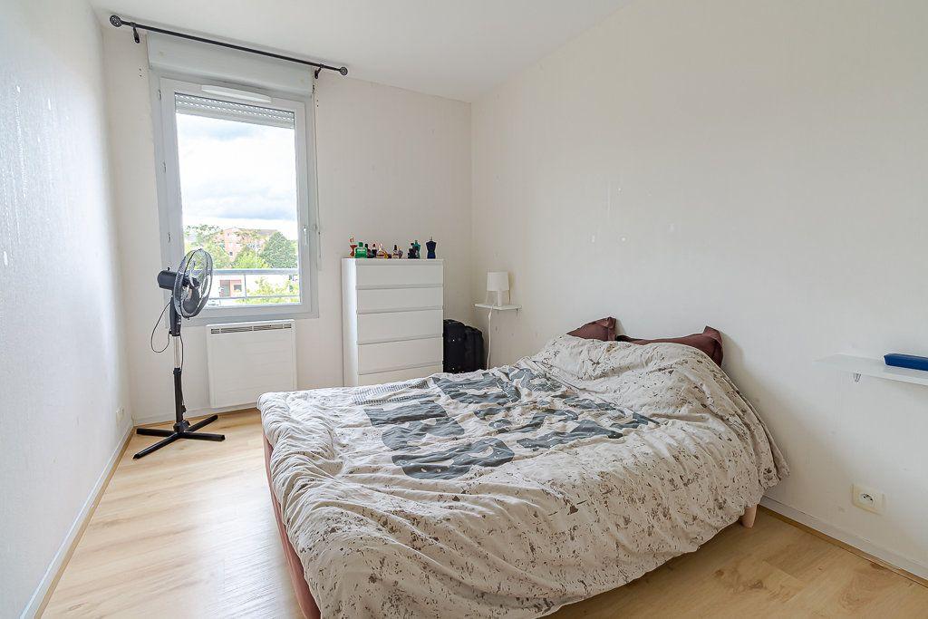 Appartement à louer 4 81.51m2 à Castanet-Tolosan vignette-4