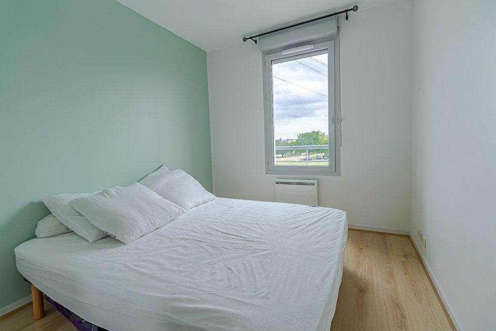Appartement à louer 4 81.51m2 à Castanet-Tolosan vignette-6