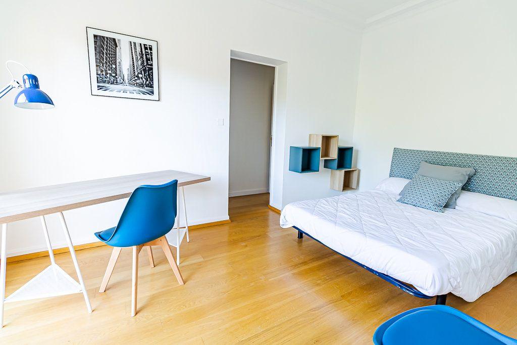 Appartement à louer 5 103m2 à Toulouse vignette-2