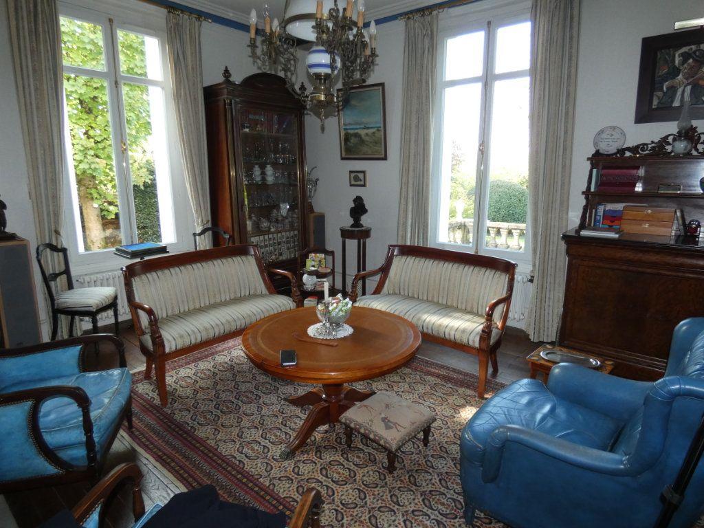 Maison à vendre 11 384m2 à Ménigoute vignette-4