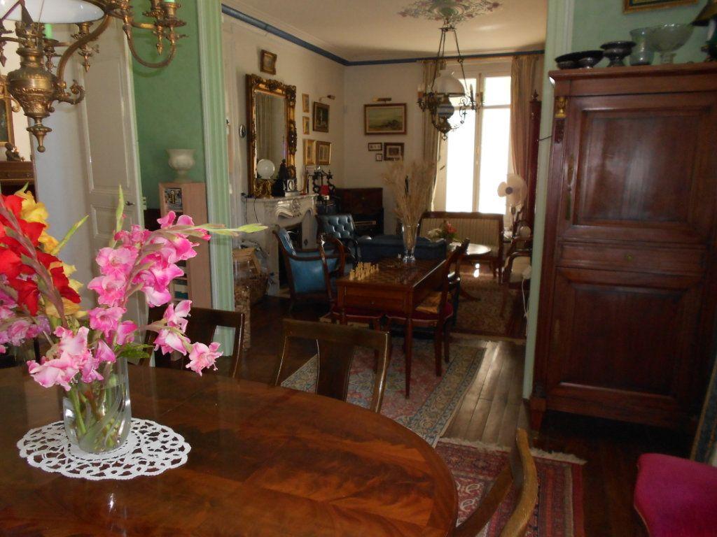Maison à vendre 11 384m2 à Ménigoute vignette-10