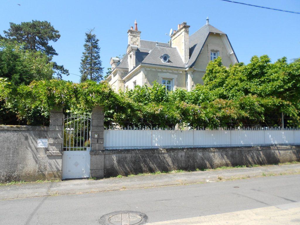 Maison à vendre 11 384m2 à Ménigoute vignette-16