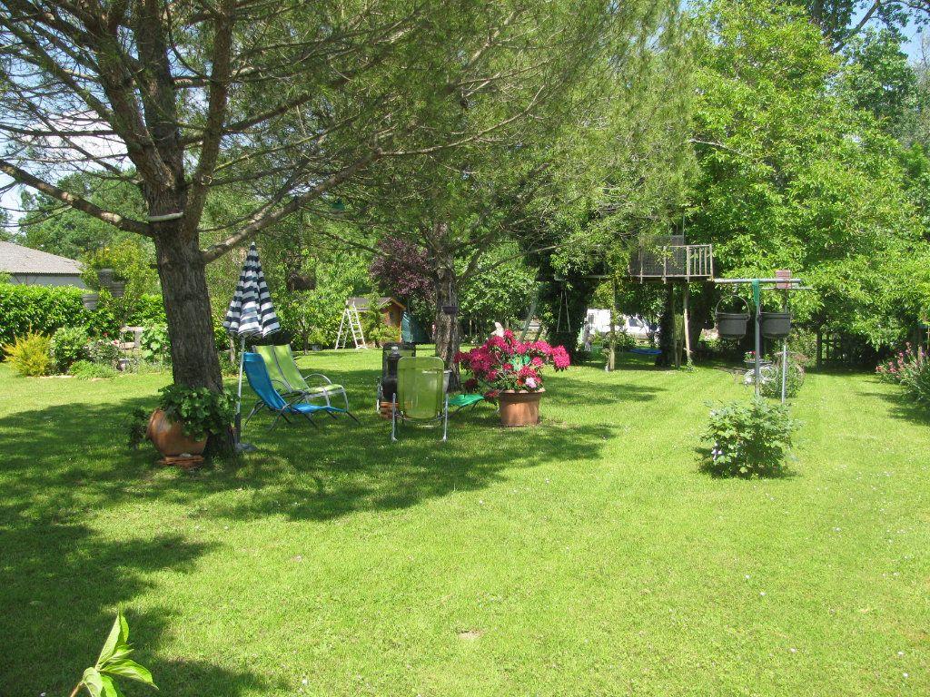 Maison à vendre 9 305m2 à Saint-Hilaire-la-Palud vignette-3