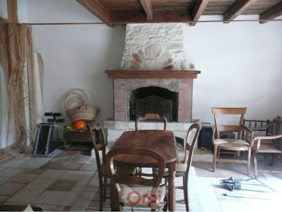 Maison à vendre 6 160m2 à La Grève-sur-Mignon vignette-10