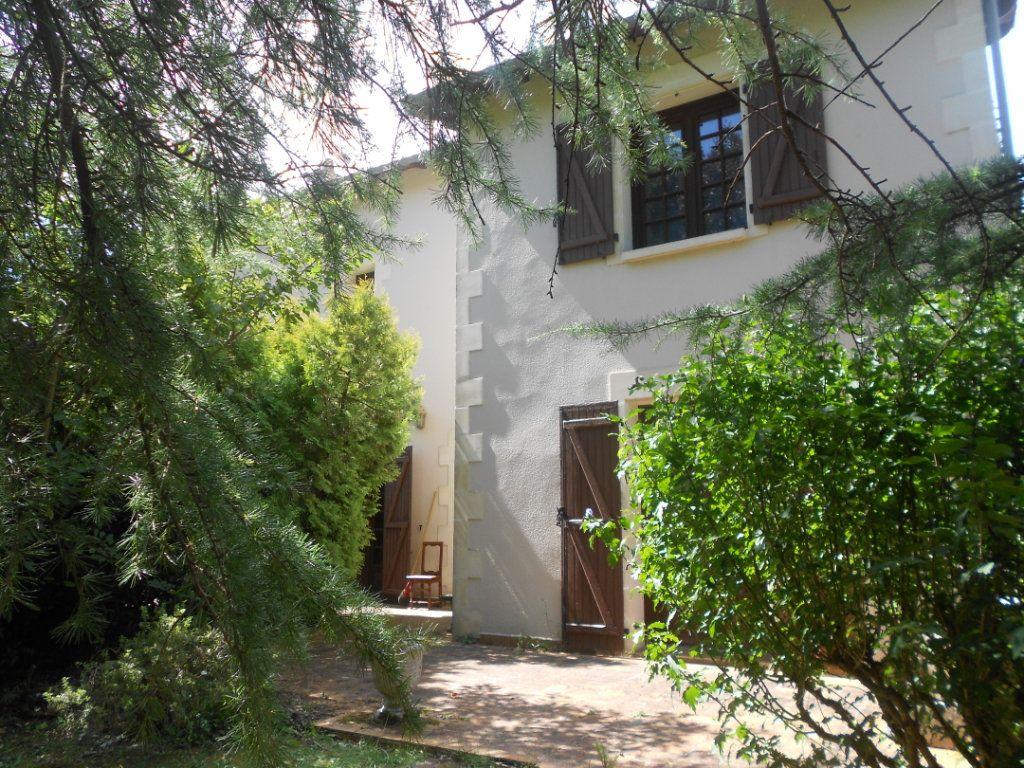 Maison à vendre 6 217m2 à Fressines vignette-9