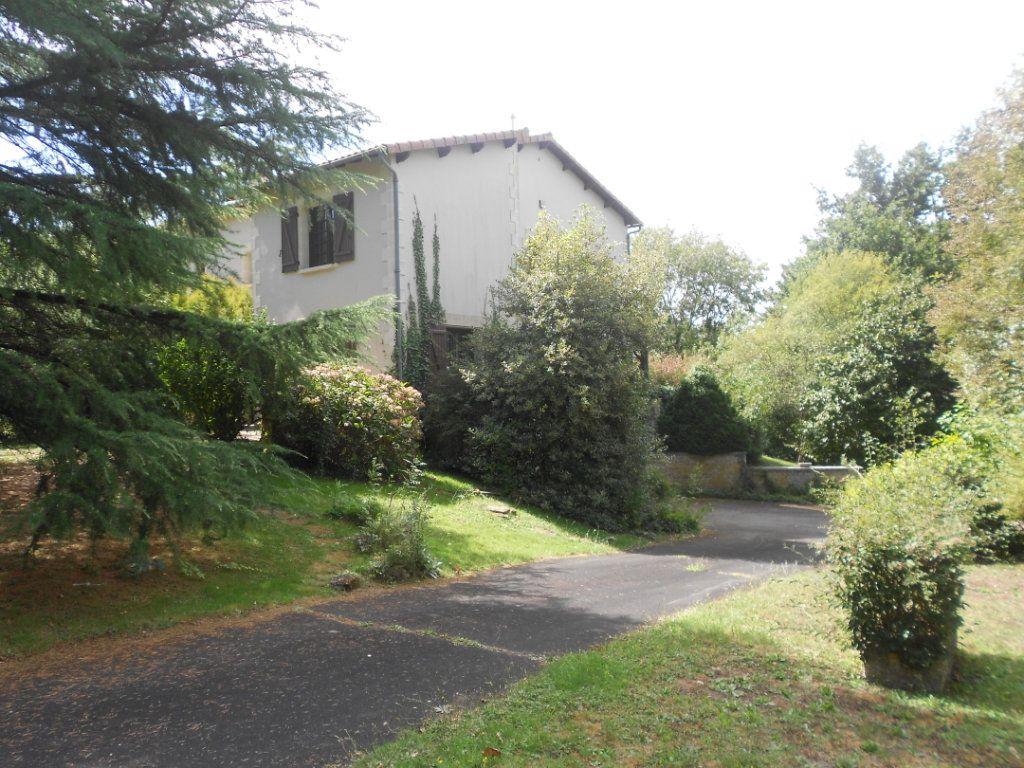 Maison à vendre 6 217m2 à Fressines vignette-12