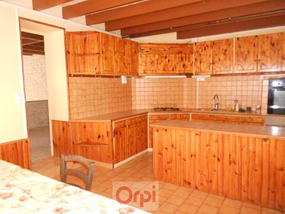 Maison à vendre 5 160m2 à Saint-Hilaire-la-Palud vignette-4