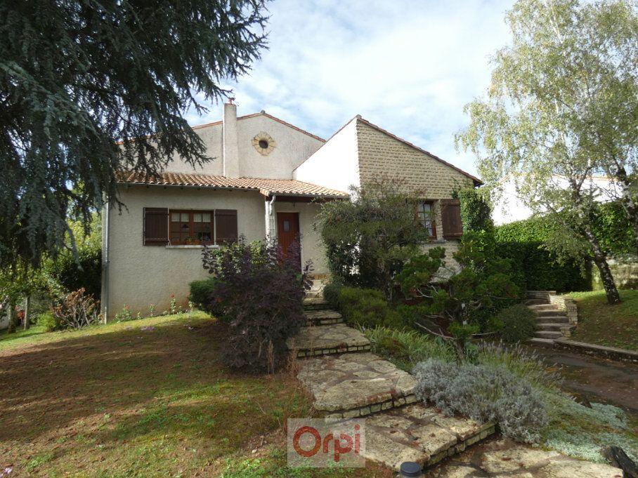 Maison à vendre 6 148m2 à Niort vignette-1