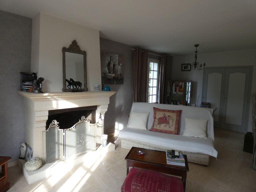 Maison à vendre 9 173m2 à Sauzé-Vaussais vignette-5