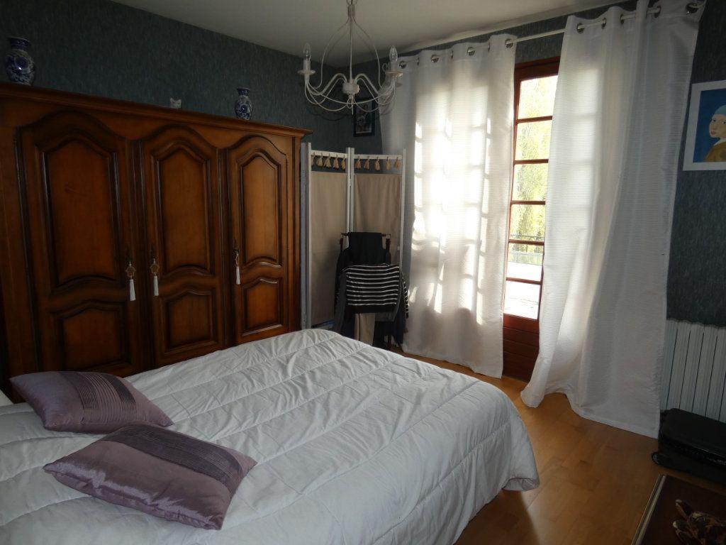 Maison à vendre 9 173m2 à Sauzé-Vaussais vignette-6