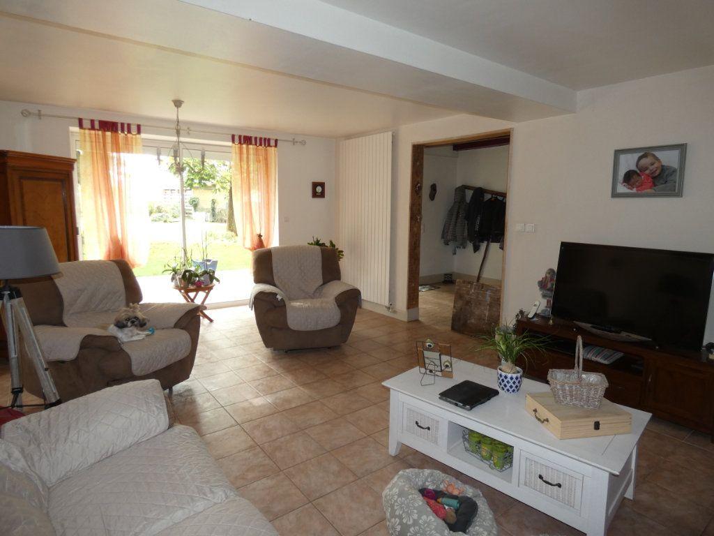 Maison à vendre 8 206m2 à Prissé-la-Charrière vignette-2