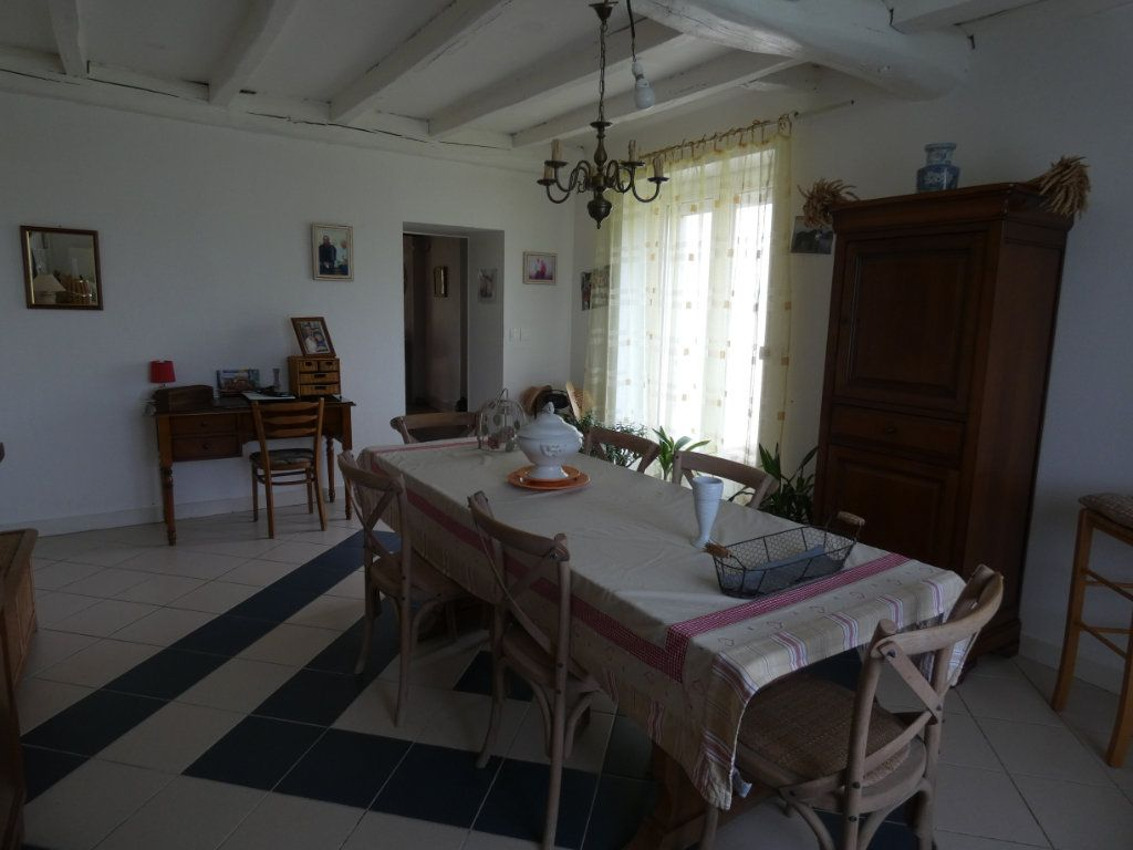 Maison à vendre 8 206m2 à Prissé-la-Charrière vignette-6