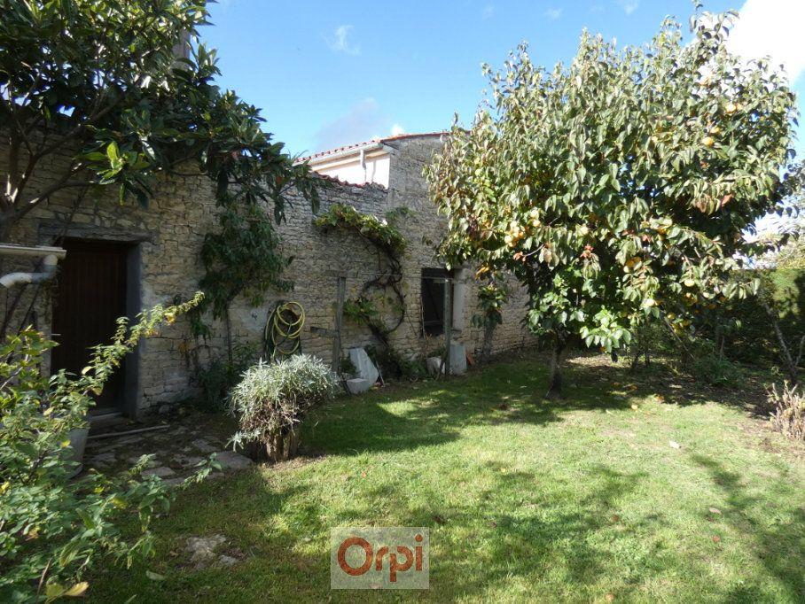 Maison à vendre 6 170m2 à Niort vignette-1
