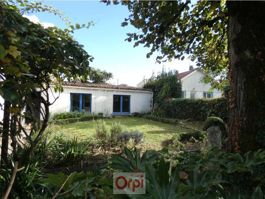 Maison à vendre 6 170m2 à Niort vignette-4