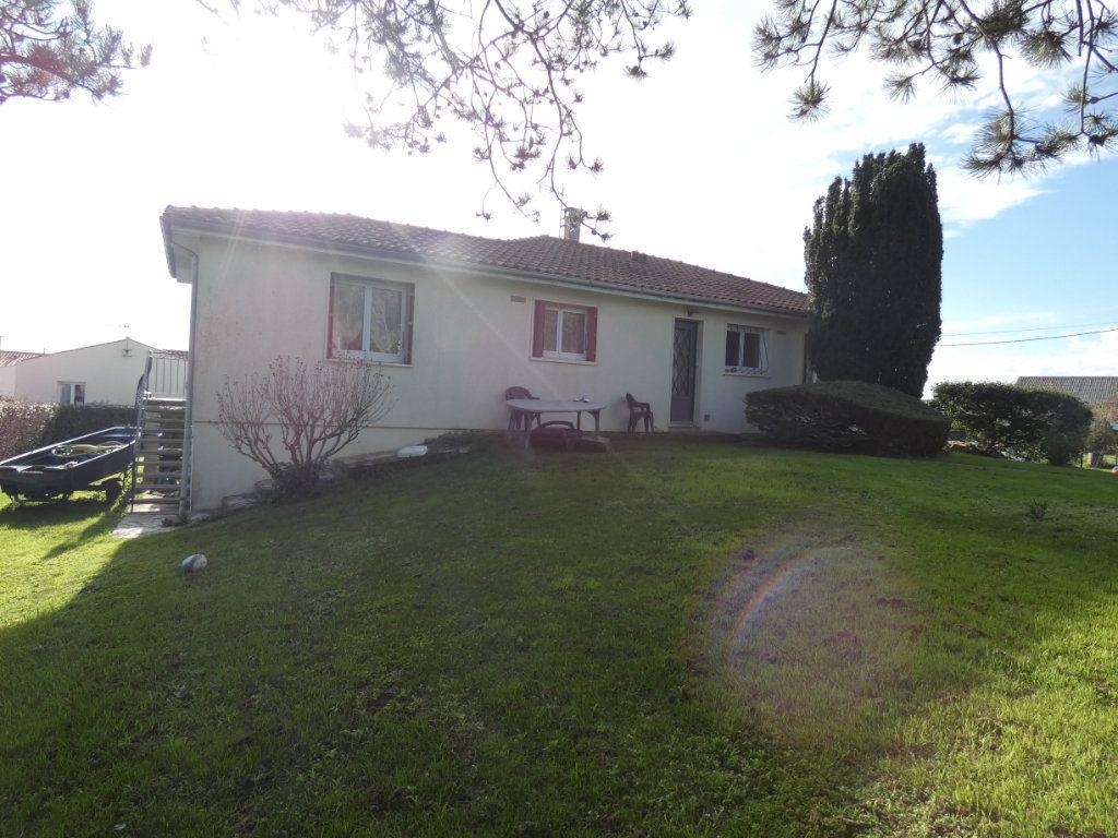 Maison à vendre 4 110m2 à Saint-Jean-de-Liversay vignette-11