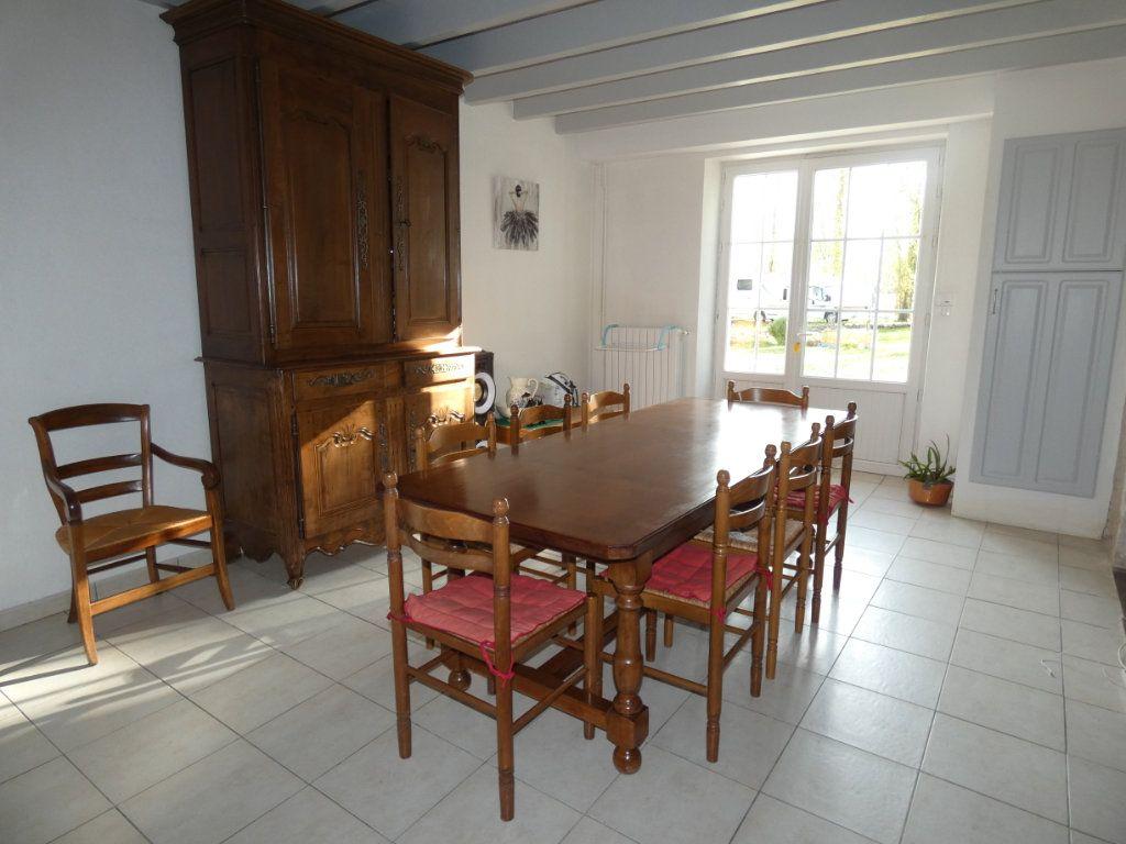 Maison à vendre 7 150m2 à Saint-Symphorien vignette-4