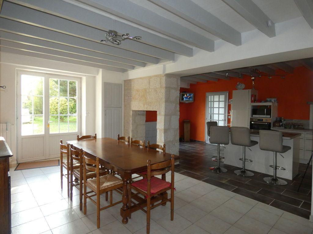 Maison à vendre 7 150m2 à Saint-Symphorien vignette-5