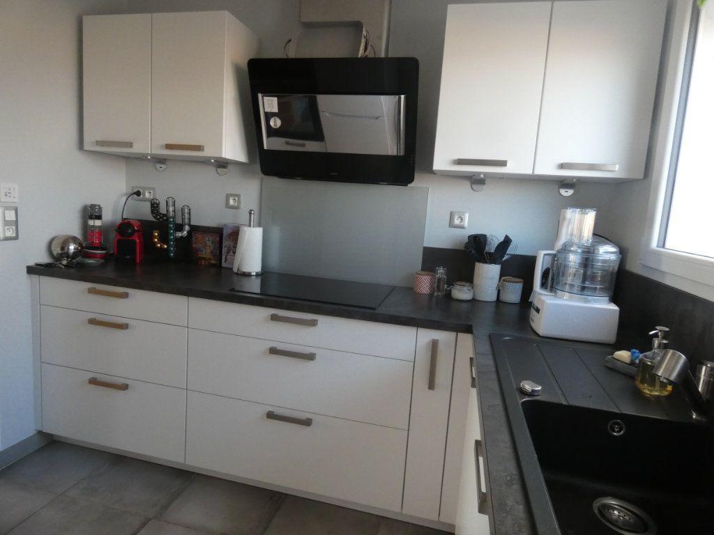 Appartement à vendre 3 70.43m2 à Niort vignette-2