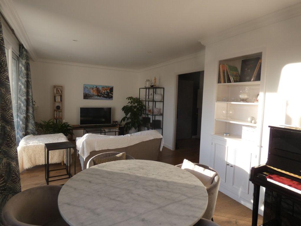 Appartement à vendre 3 70.43m2 à Niort vignette-3