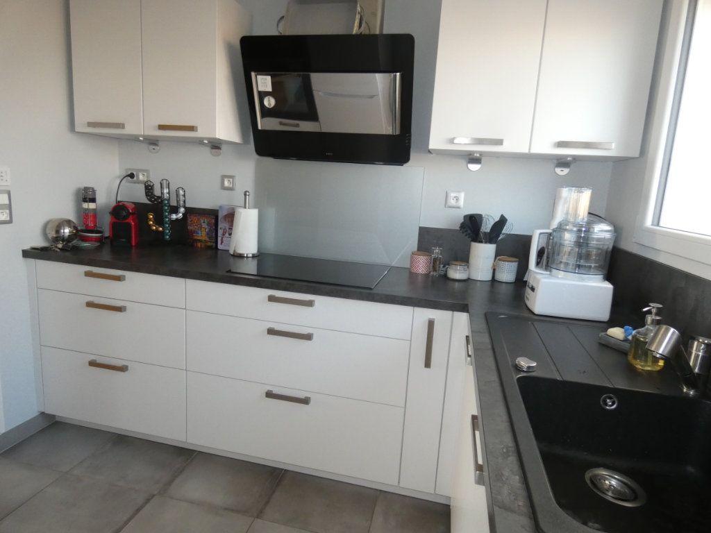 Appartement à vendre 3 70.43m2 à Niort vignette-5