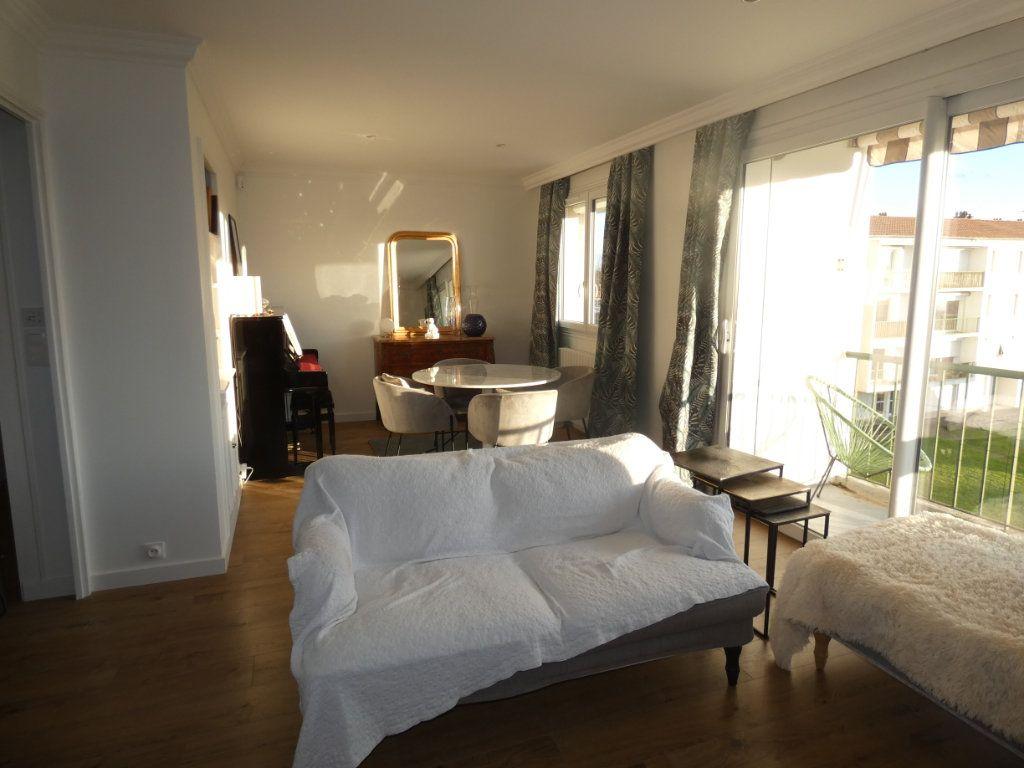 Appartement à vendre 3 70.43m2 à Niort vignette-6