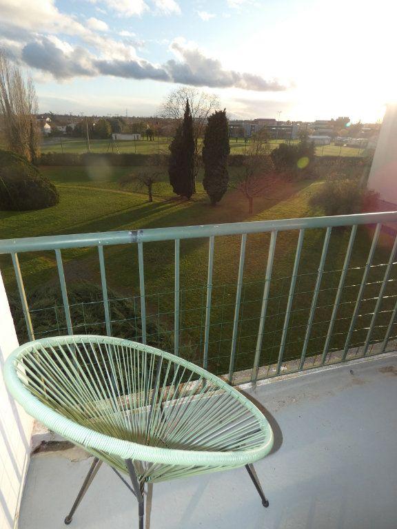 Appartement à vendre 3 70.43m2 à Niort vignette-8