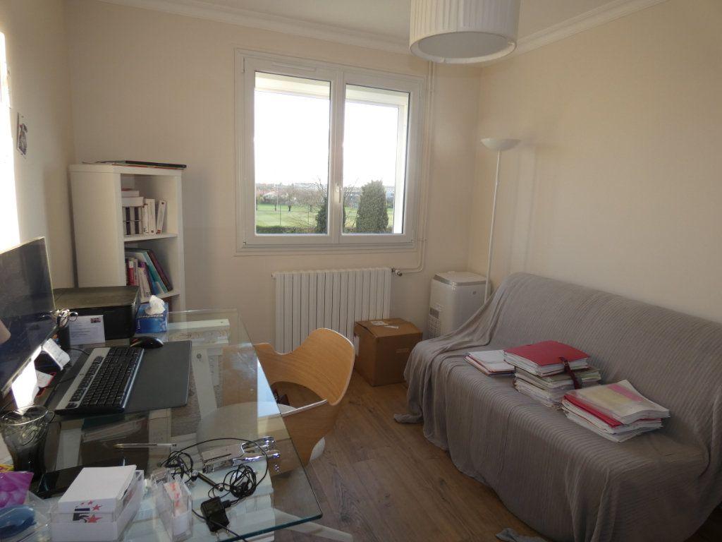 Appartement à vendre 3 70.43m2 à Niort vignette-12