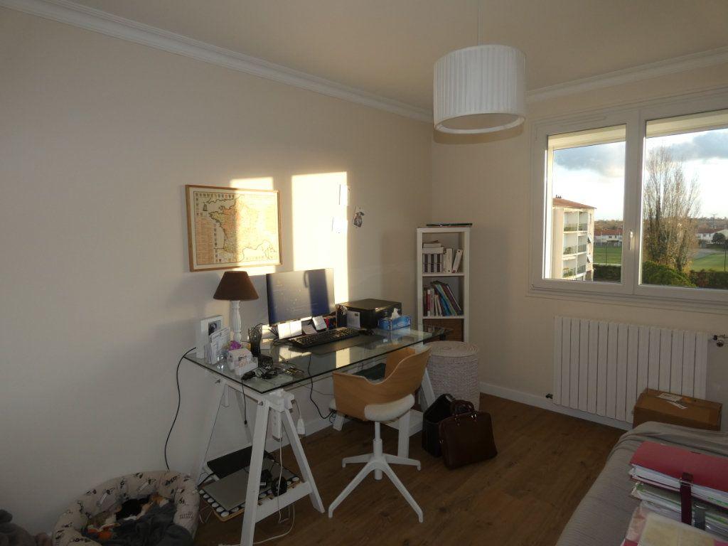 Appartement à vendre 3 70.43m2 à Niort vignette-13