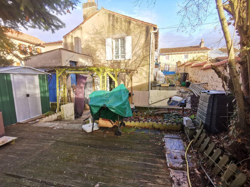 Maison à vendre 4 110m2 à Saint-Loup-Lamairé vignette-1