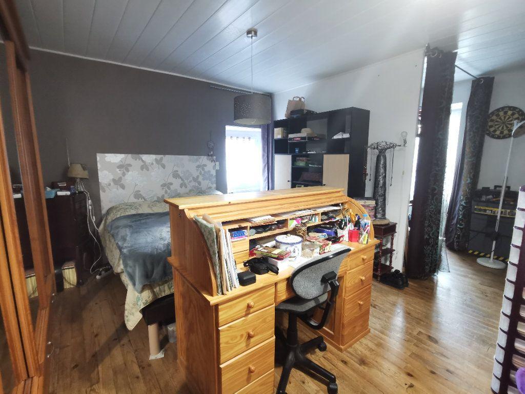 Maison à vendre 4 110m2 à Saint-Loup-Lamairé vignette-5