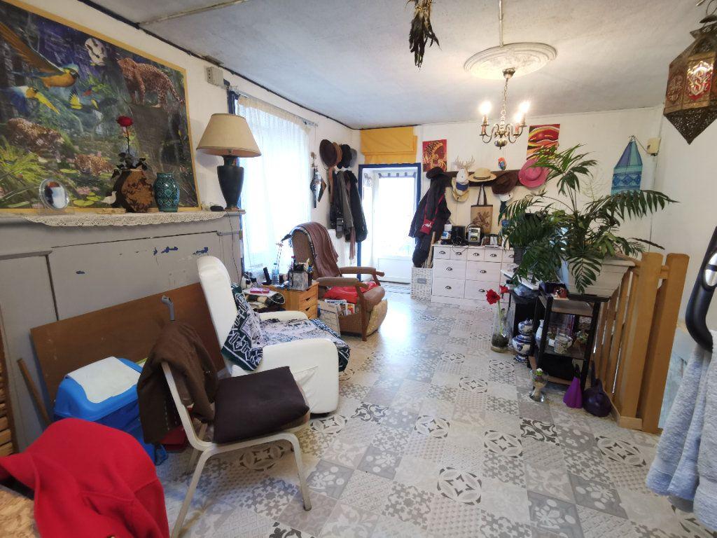 Maison à vendre 4 110m2 à Saint-Loup-Lamairé vignette-6